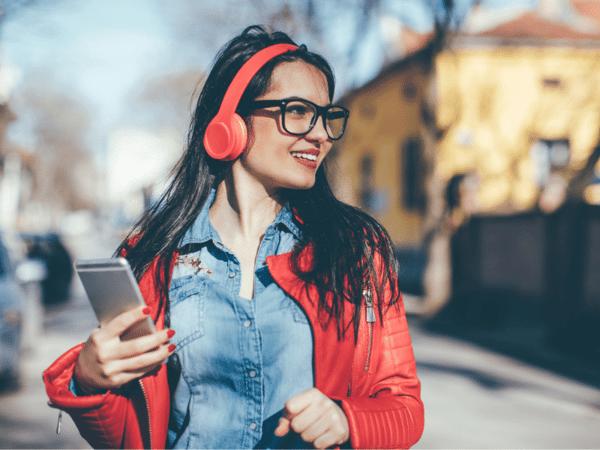 A womna listening to a spotify playlist