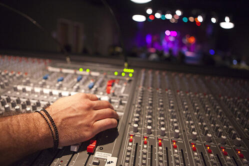 Tips your band should know before going into the recording studio