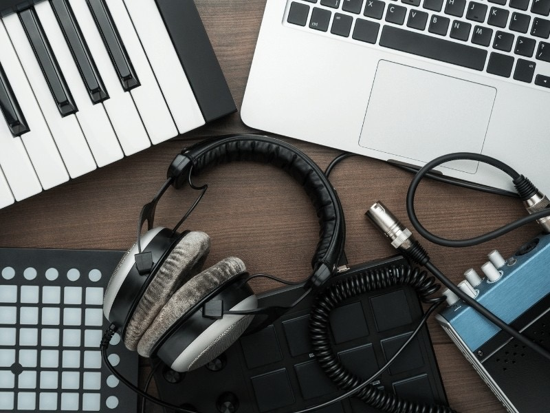 Learn the best music production techniques in Olympia Heights