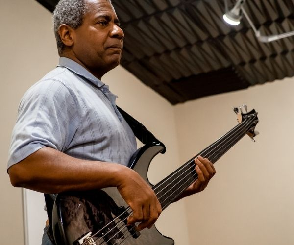 mendes-bass-instructor
