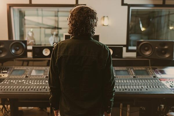 Music Producer FAQ | What is a music producer