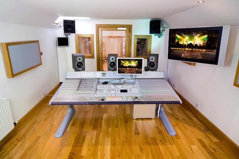 10 Essential Tips to Become a Better Music Producer Today