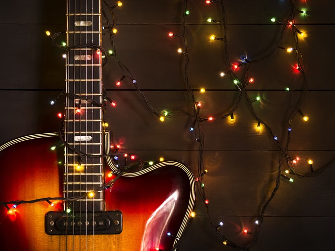 The Best Holiday Musician Gift Guide 2018 | 18 Gifts Listed By Instrument