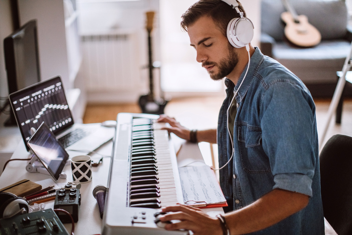 Online Certificate in Music and Technology with a Focus in Keyboard (Launching 2020)