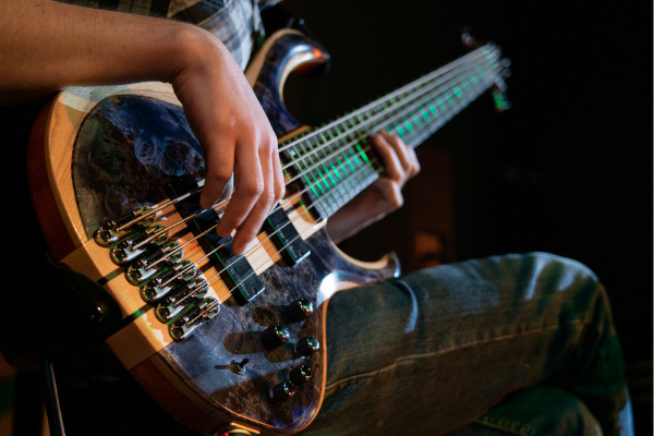 Music and Technology Associate Degree with a Focus in Bass
